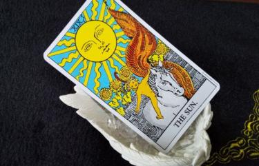 タロットカード太陽の意味!恋愛占いで相手の気持ちを知りたい!